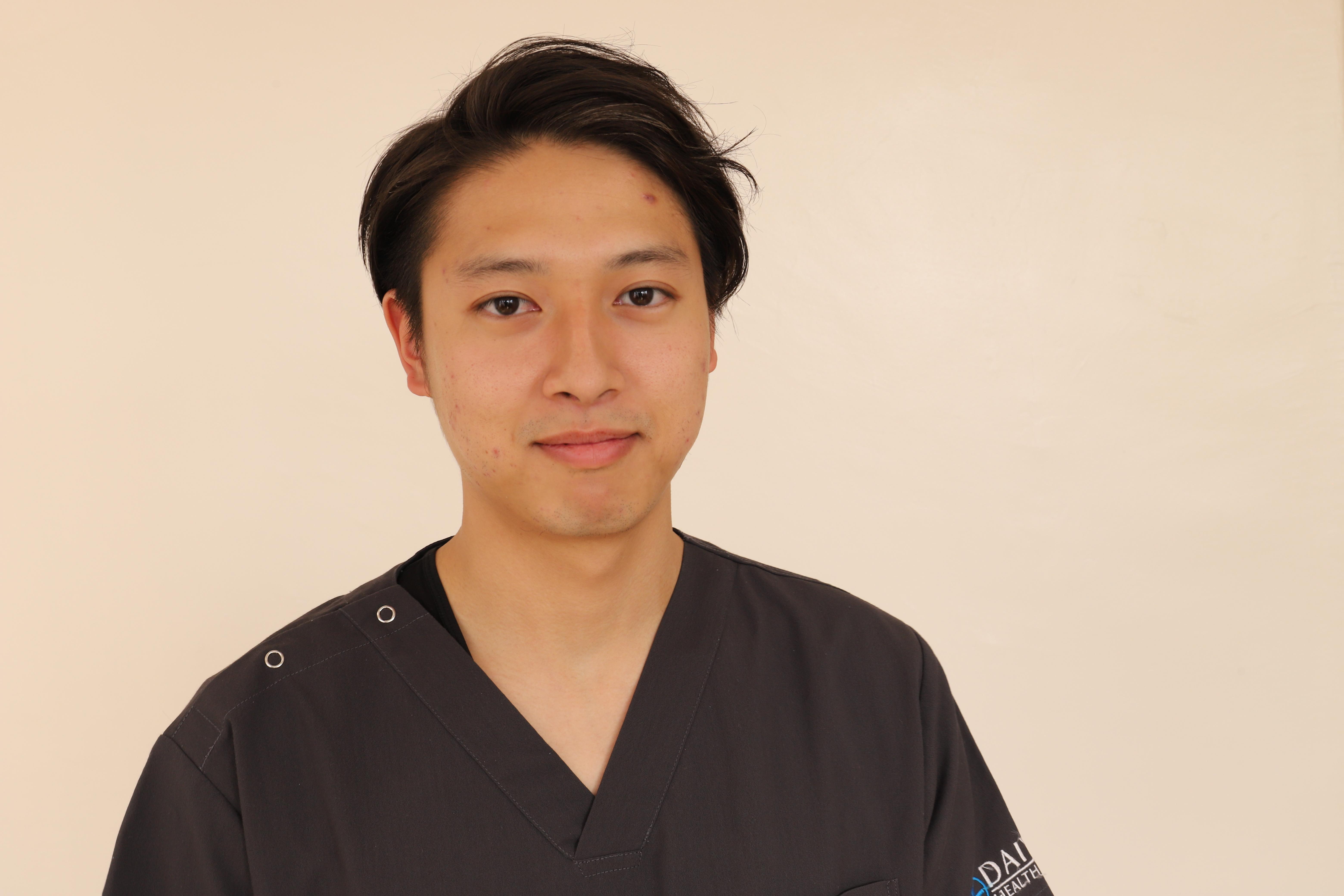 総合大雄会病院 初期研修医2年目 服部 慎之介先生